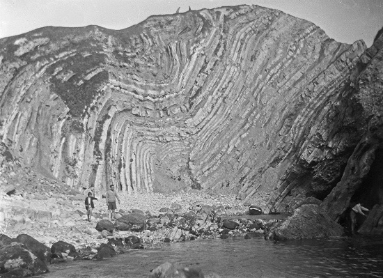 Strata - Lulworth Cove